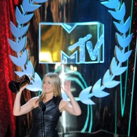 Screen Pop: Laugh In Style At The 2012 MTV Movie Awards!