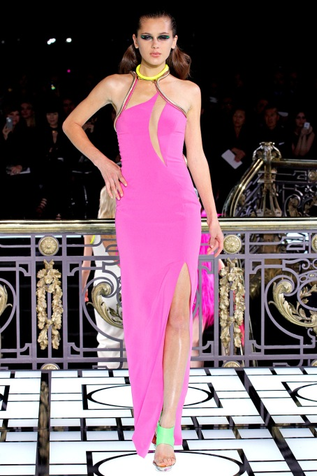 versace-couture-spring-2013-15_123238464163