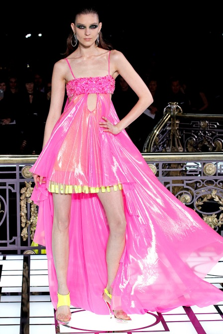 versace-couture-spring-2013-26_123247402789