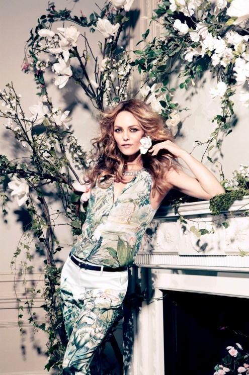 36677169571ba7854cfdec9664d383a5Vanessa Paradis as the face of H's new Conscious Collection