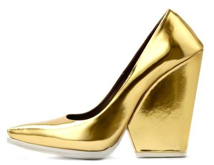 e61f186e23d3261e4b8c3e701374133eCELINE gold metallic heels