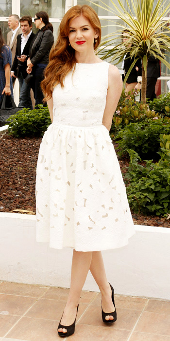 051513-cannes-isla-fisher-350Isla Fisher in Dolce & Gabbana