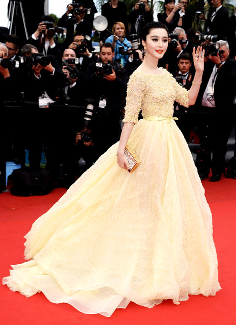 slide10Fan Bingbing, in Elie Saab Haute Couture, with Chopard jewels.