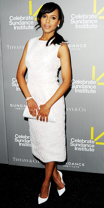 060813-kerry-washington-350Washington matched her Giambattista Valli midi dress with a Nancy Gonzalez clutch and Christian Louboutin pointy-toe pumps for an all-white look.