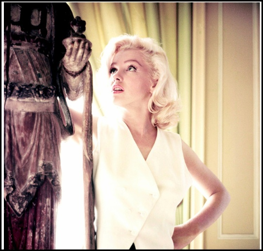 3. Vintage Marilyn - outfit cover image.PNG