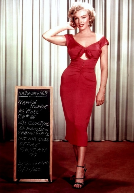 Marilyn Monroe in hot red dress from movie NIAGRA.