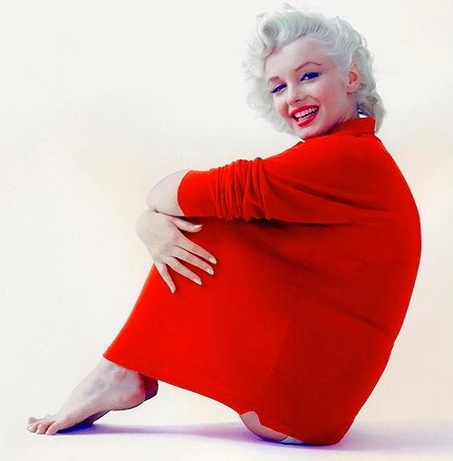 Marilyn Monroein red