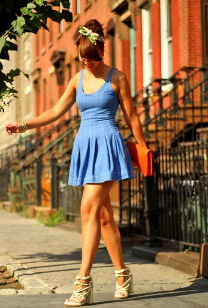 Flared denim dress fitted look street style
