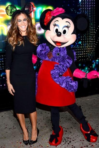 75ca4b43a81b67688e818d5a5abd220aSarah Jessica Parker's Minnie Mouse lace ears