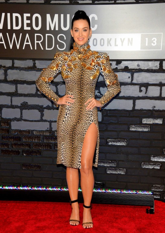 2013+MTV+Video+Music+Awards+Arrivals+IKINBltV6ffx katy perry