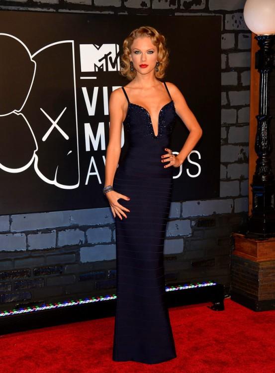 2013+MTV+Video+Music+Awards+Arrivals+Z084xmi2z59x Taylor Swift