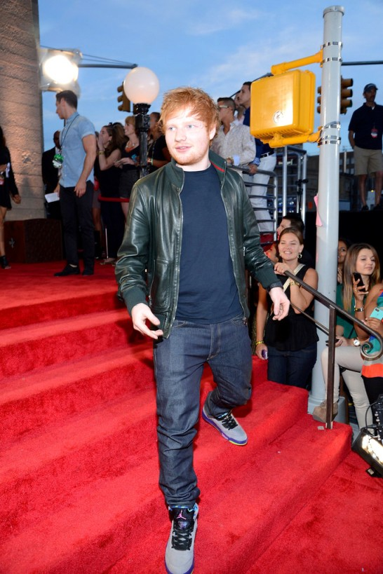 2013+MTV+Video+Music+Awards+Red+Carpet+P4g7fjfWl9AxEd Sheeran