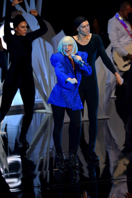 2013+MTV+Video+Music+Awards+Show+sxWNyvXFLJHxLady Gaga performs