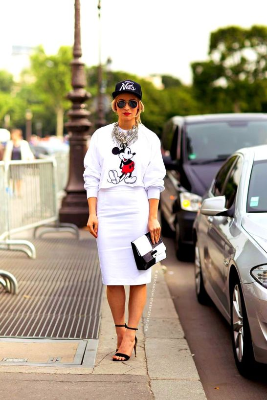 22caad2ecaf white micke mouse style street style