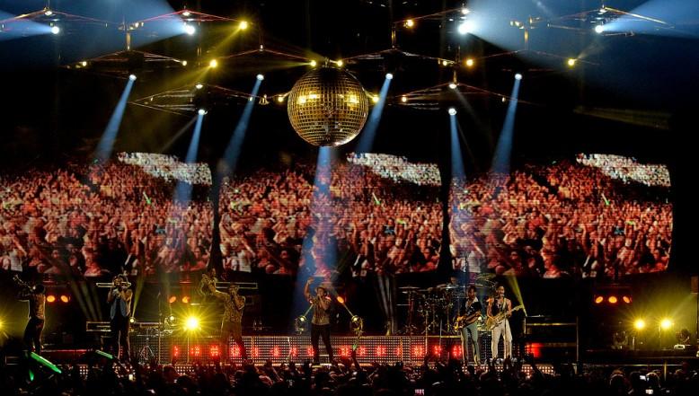 Bruno+Mars+Bruno+Mars+Moonshine+Jungle+Tour+kdlpfRatgFhx