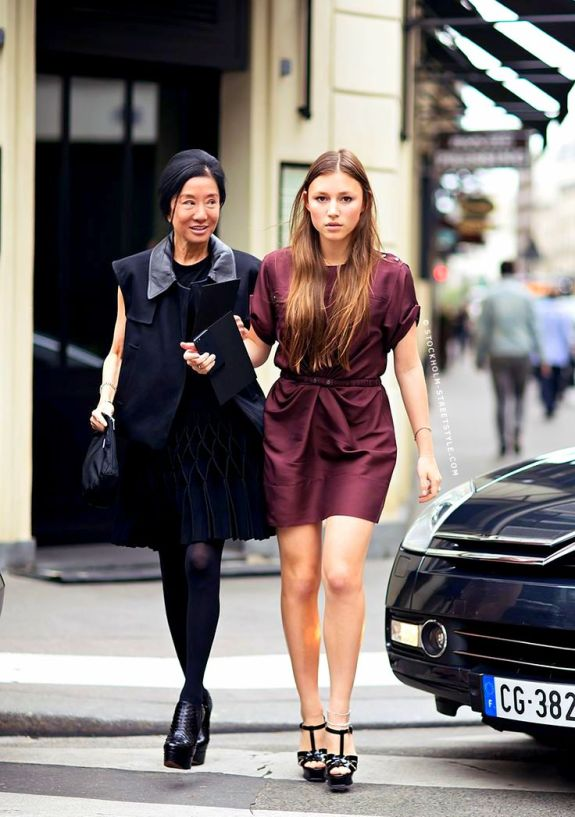 vera wang street style with her daughter