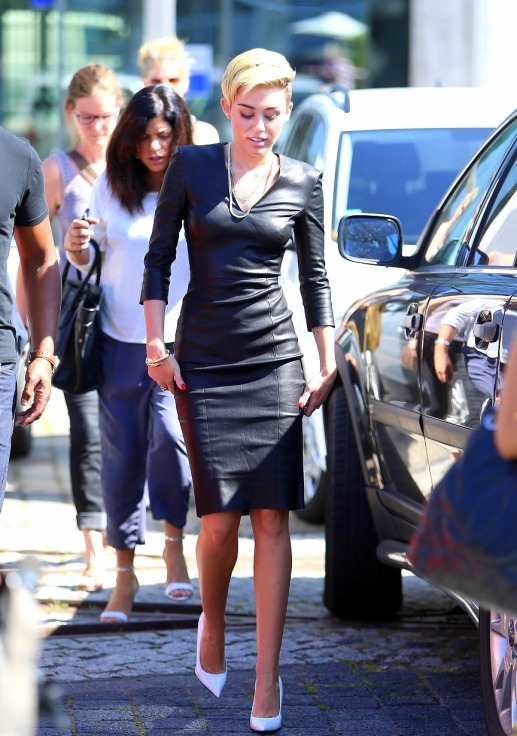 tumbl Miley cyrus streets style leather dress black
