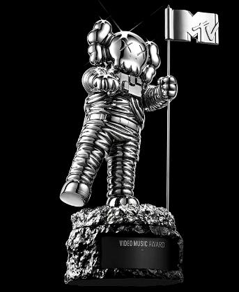 VMA 2013AWS-Moonman