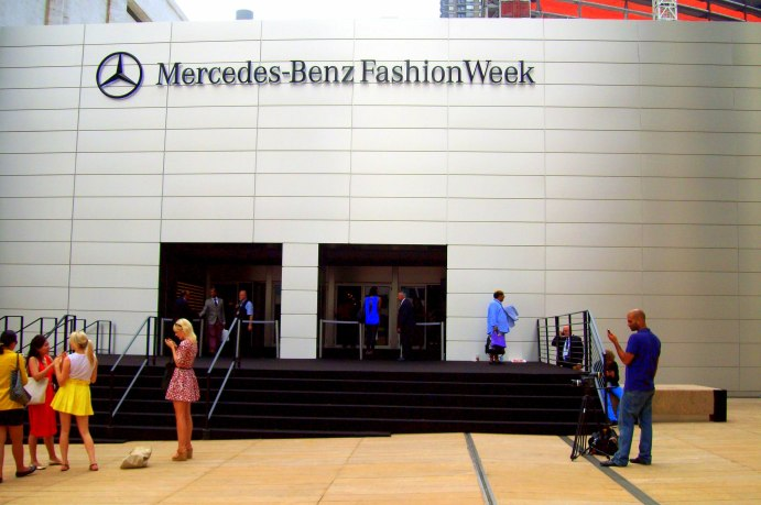 100_2303 Mercedes Benz Fashion week2013