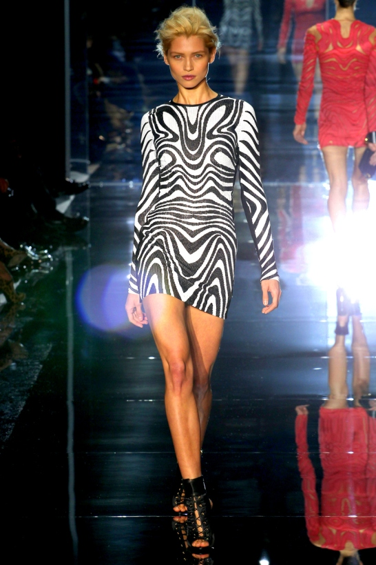 tom-ford-rtw-ss2014-runway-13_205213399806