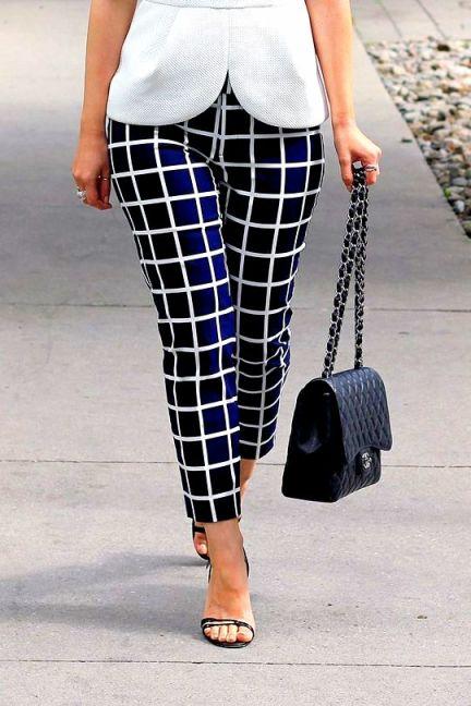 1afb545379Gap Grid Windowpane pants