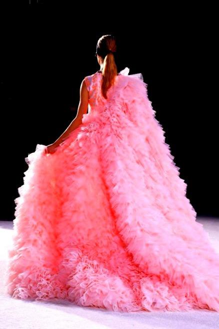 tumblr_nit2v4y55o1r79qbvo1_540Giambattista Valli Spring 2015 Haute Couture