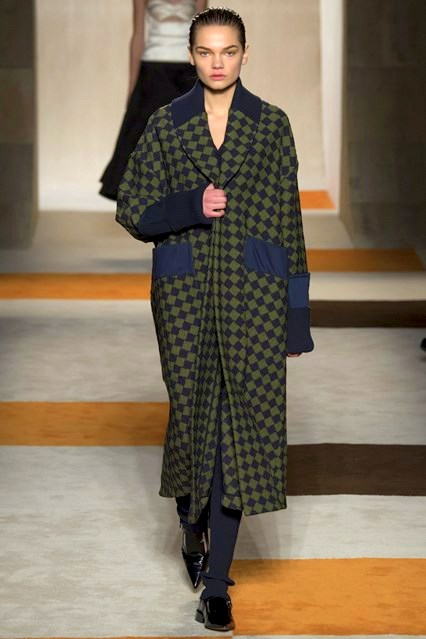 autumn-winter-2016 ready-to-wear victoria-beckham_VIC0401_426x639_1