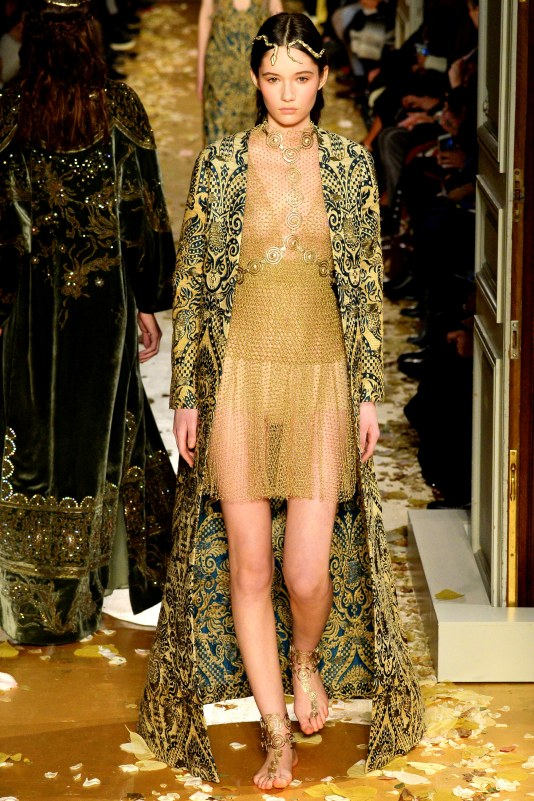 VALENTINO HAUTE COUTURE SPRING SUMMER 2016