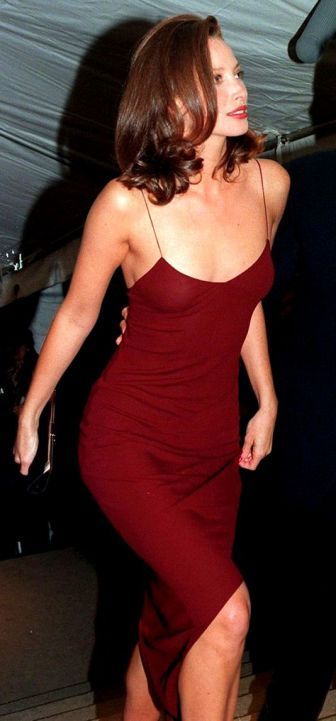 Christy Turlington met gala slip red dress