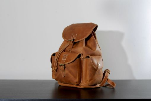 Kurtis-Paul-Darwin-Leather-Backpack_03