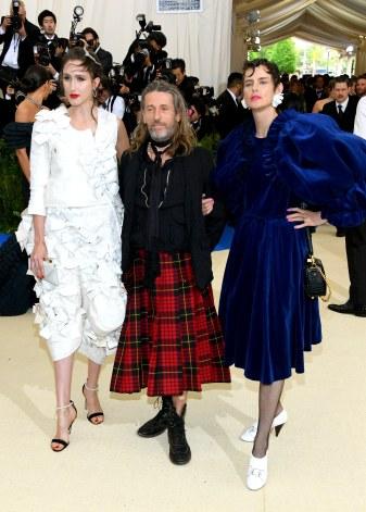 Anna Cleveland in Comme des Garçons, Julien d'Ys, and Stella Tennant